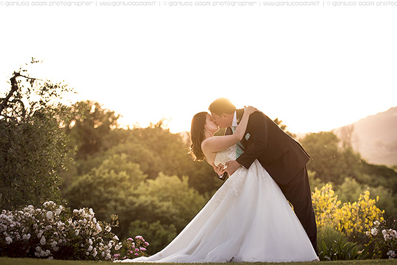 wedding-destination-photographer-kiss