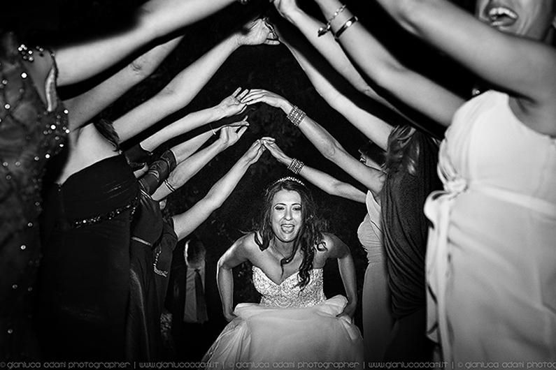 gianluca-adami-photo-wedding-orvieto-dancing
