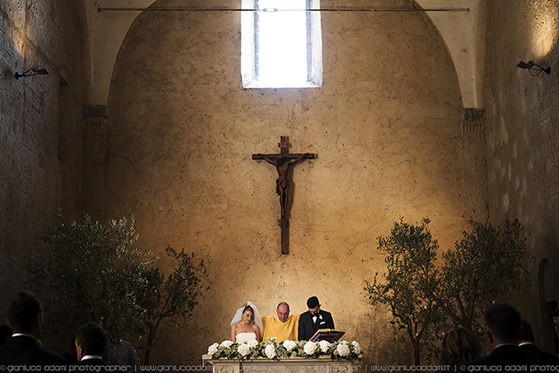 gianluca-adami-wedding-ceremony-la-badia-church