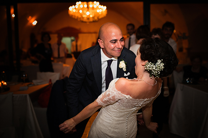 gianluca-adami-destination-wedding-amalfi-bride-groom-dance