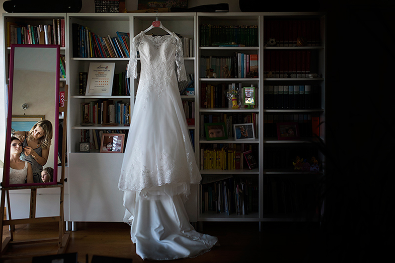 gianluca-adami-photographer-wedding-pitigliano-bride-dress