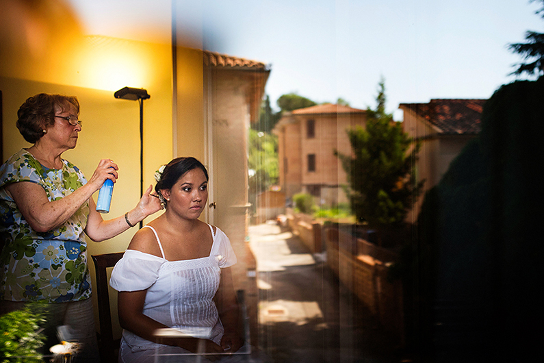 gianluca-adami-wedding-tuscany-bride-getting-ready