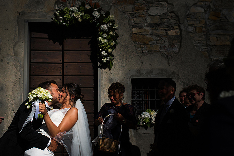 gianluca-adami-destination-wedding-kiss