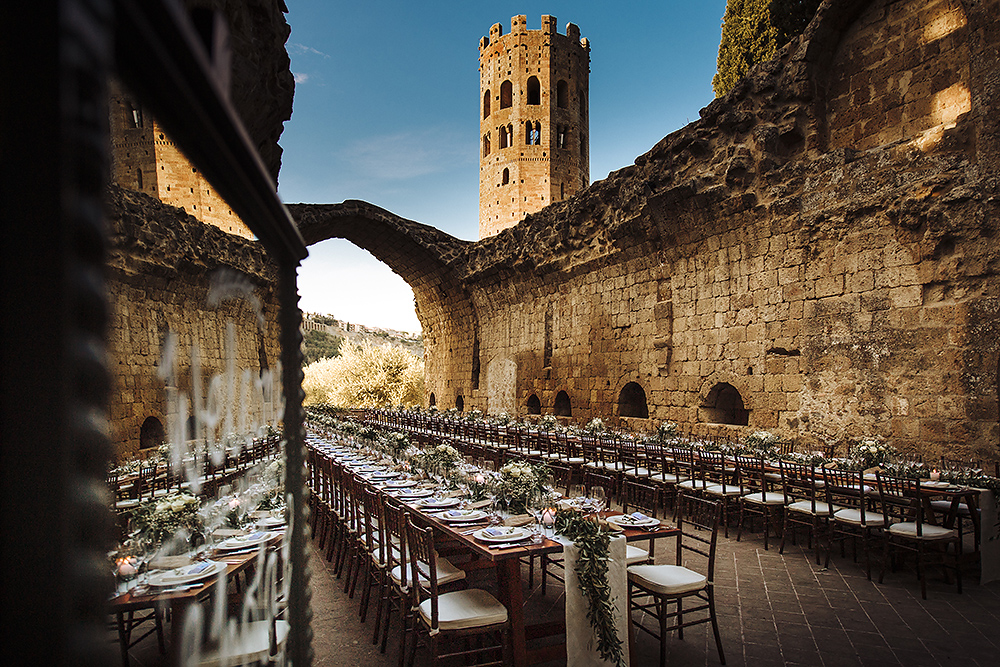 wedding photos in la badia Orvieto